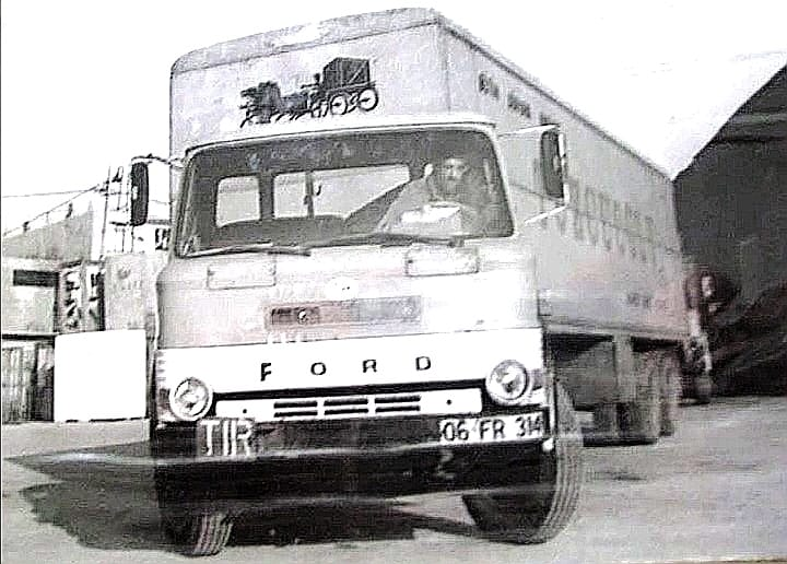 Ford-TBT-D-1610
