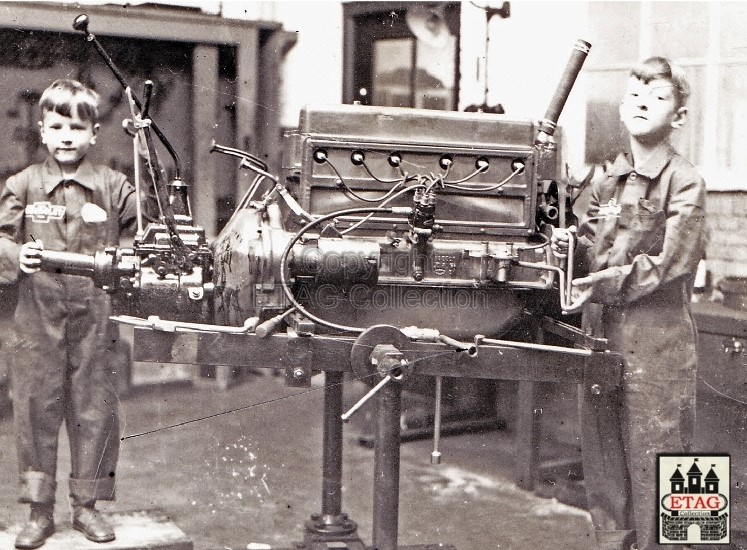 1929-Michel-en-Ad-de-Groot-Langestraat-Tilburg-Netherlands-2
