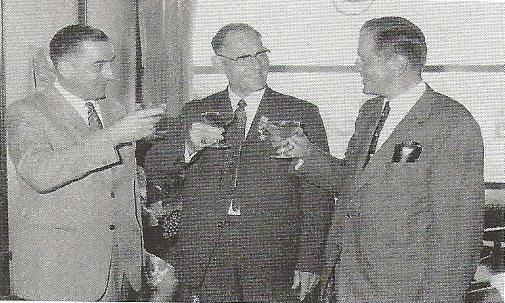 1969-Henk-begon-als-junior-monteur-in-1929-aan-de-Langstraat-Door-de-jaren-heen-werd-hij-chefmonteur-en-eindverantwoordelijk-voor-de-vrachtwagen-en-de-dieselafdeling