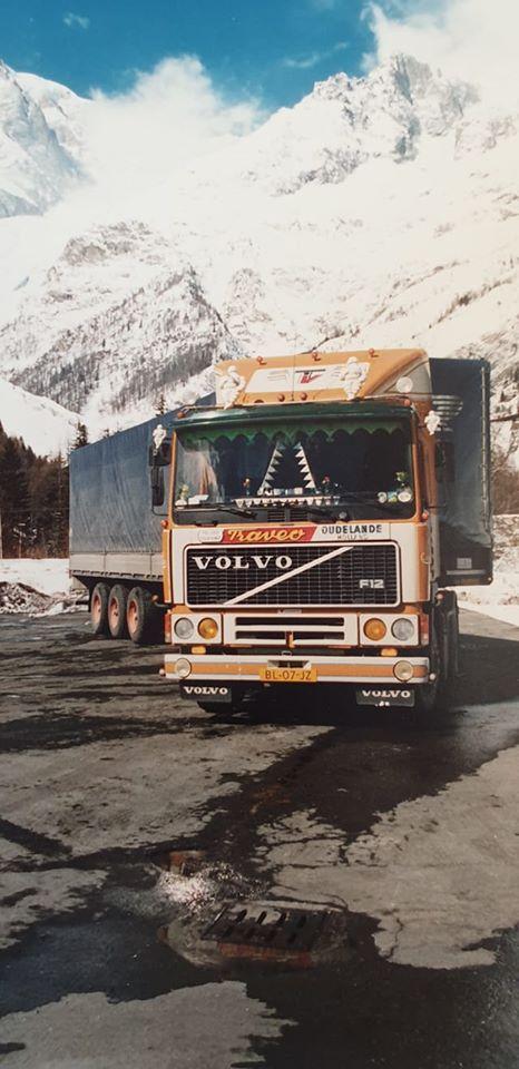 Judith-Marco-Meijer-BL-07-JZ-Volvo-F12-aan-de-frejus---