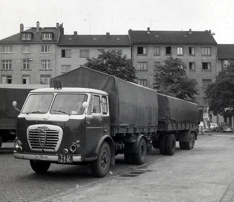 Alfa-Romeo--17