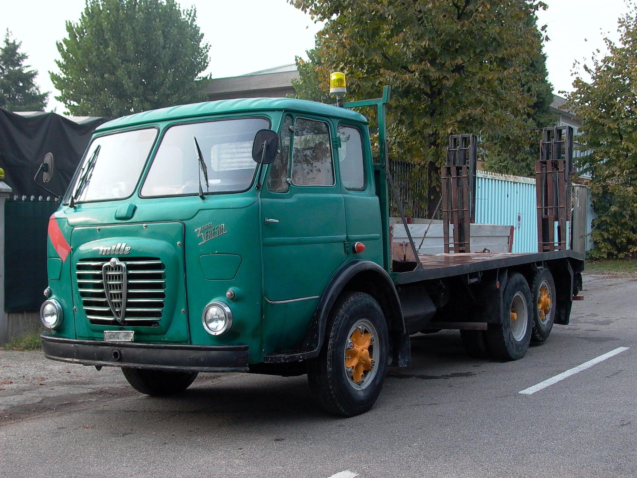 Alfa-Romeo--5