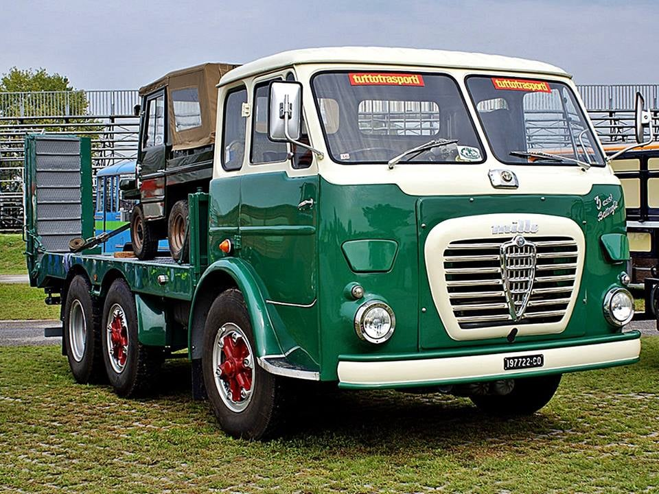 Alfa-Romeo--Mille