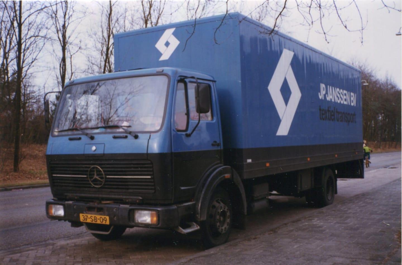 Mercedes-NG-1217--37-SB-09----foto-Frank-Coumans
