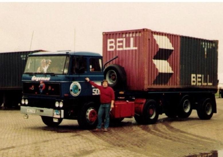 NR-501-DAF2800-de-eerste-auto-van-Hegeman-GmbH-in-Oberhausen-chauffeurs-Gerd-van-der-Linden-Marcel-van-Haarlem-Freddy-Otten-en-Horst-Venmanns-4