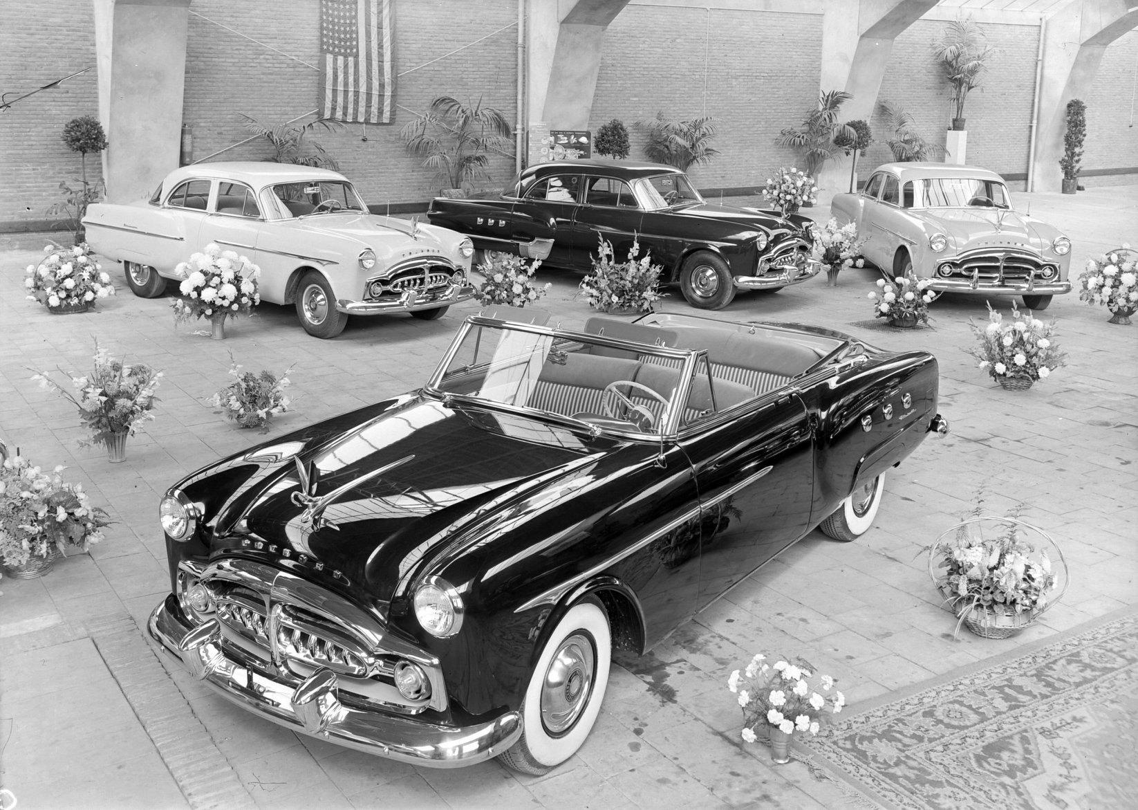 De-showroom-van-garage-Knegtel-aan-de-Heuvel-omstreeks-1950