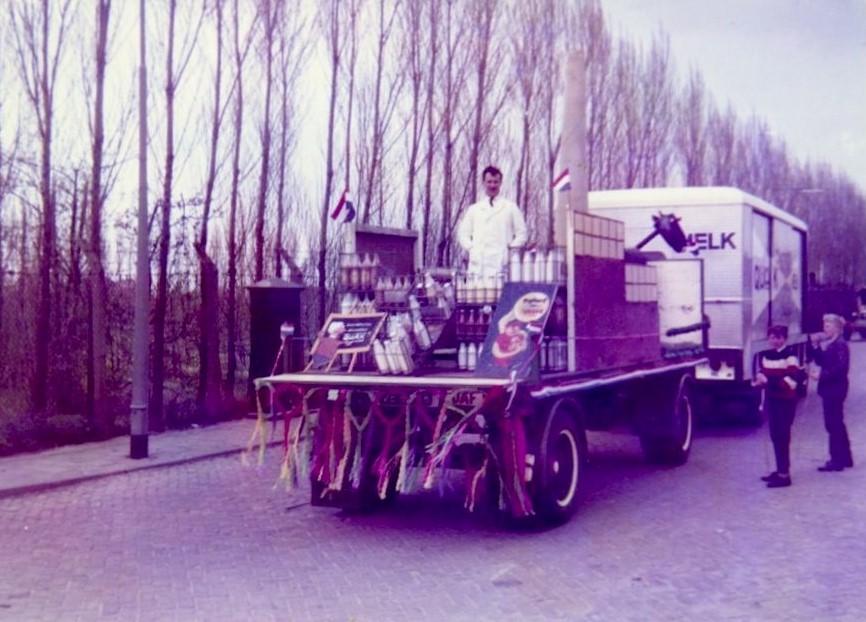 Teun-Kweekel--melkfabriek-QUAK-MELK-zo-tussen-1968-1972--5