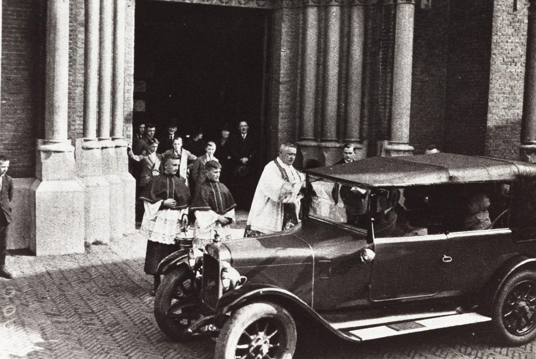 1928-Ford-Broederchap-van-St-Christoffel-autozegening