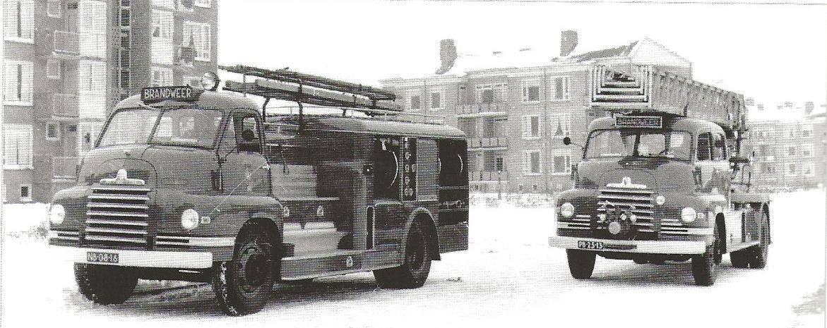 1950--Bedford-ladderwagens