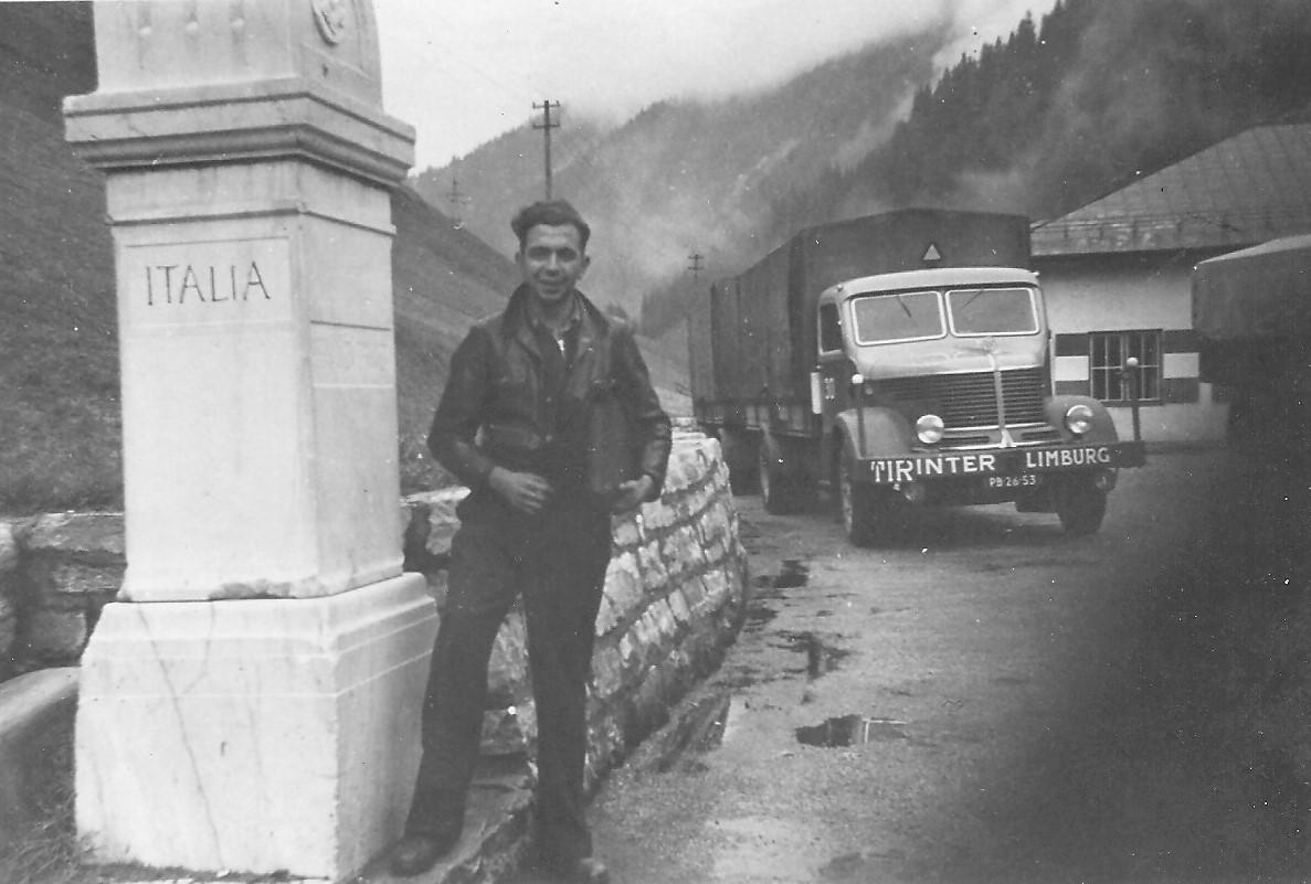 Chauffeur-Schreurs-op-de-Brenner-oktober-1954--zoon-Carlos-foto-