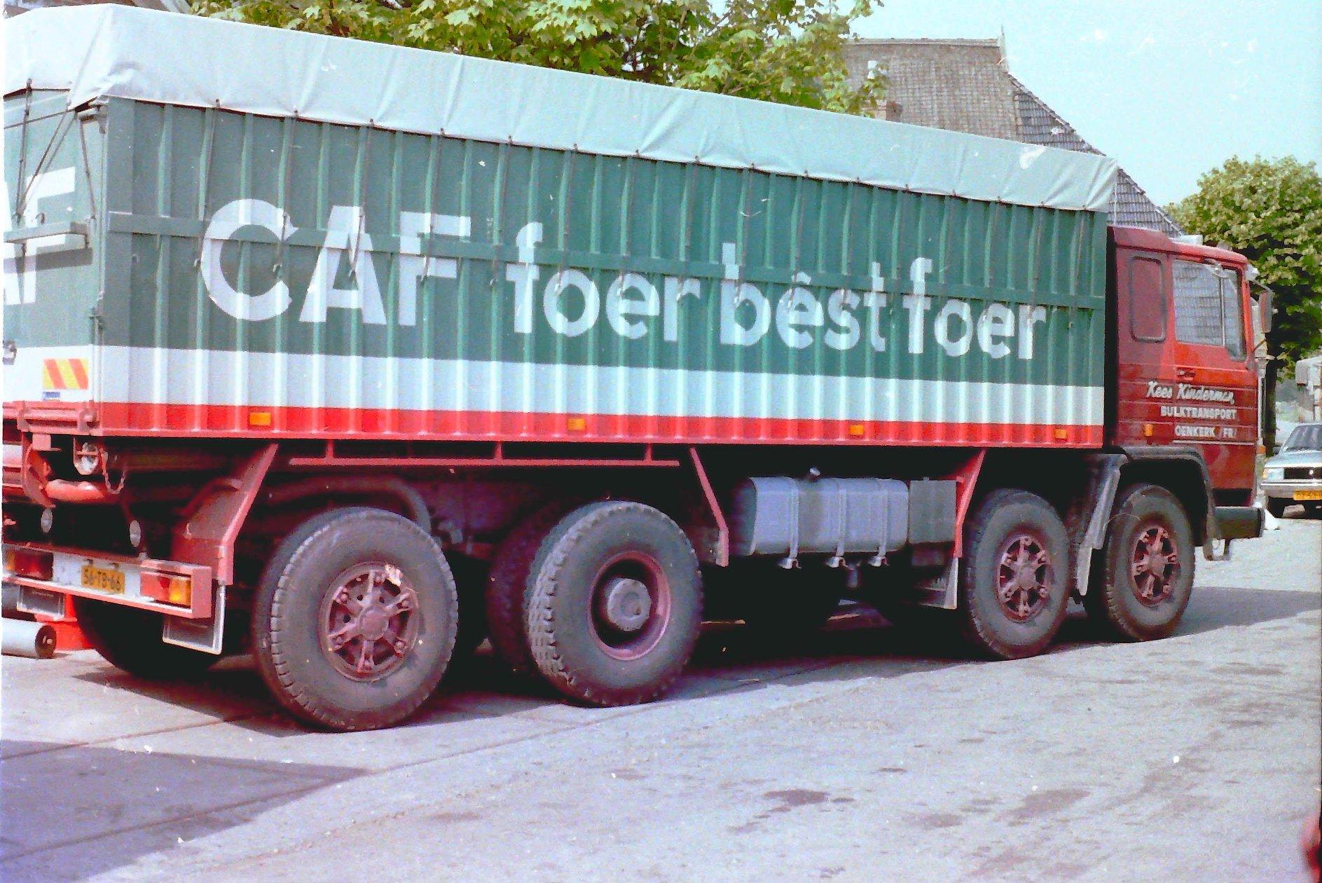 PEGASO-was-een-kipperbak-met-Bulkinstallatie-opgebouwd-door-Rondaan-in-Beetgum-voor-Kees-Kinderman-Bulktransport-uit-Oenkerk-rijdend-voor-de-CAF-2