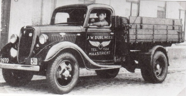 Ford-V-8-Benzine-1935Durlinger-Transport-Maastricht