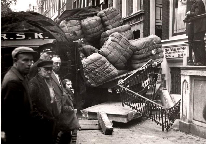 1938-Amsterdam-Oudezijds-Voorburgwal-2