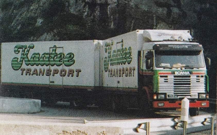Scania-113M-Combi