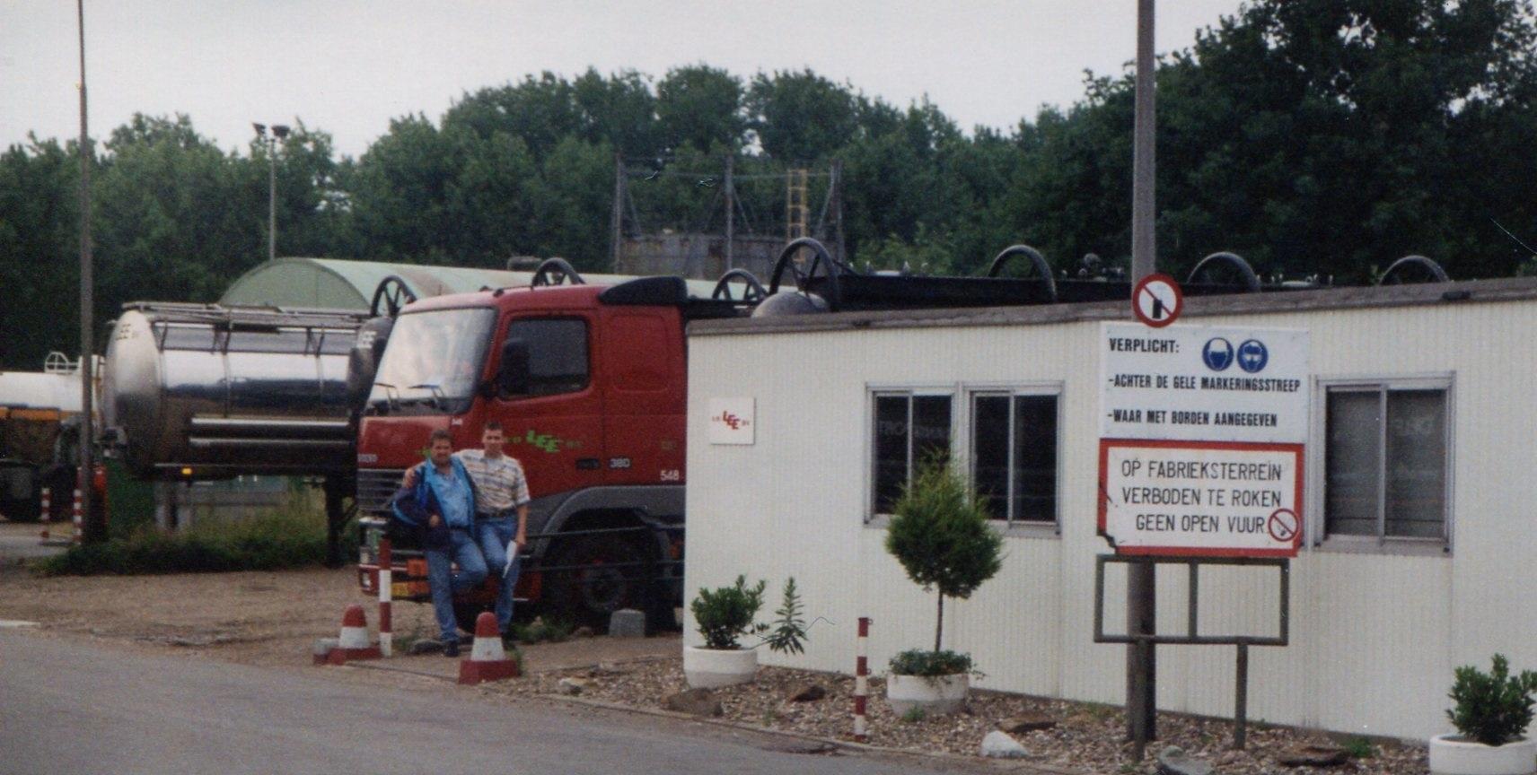 Herten-Mart-Theuwissen-en-Robert-Sheres-bij-het-oude-kantoor-(1)
