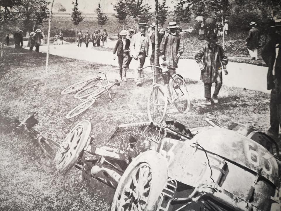 30-mei-1902-het-ongeval-van-Marcel-Renault-dat-hem-zijn-leven-kostte-(1)