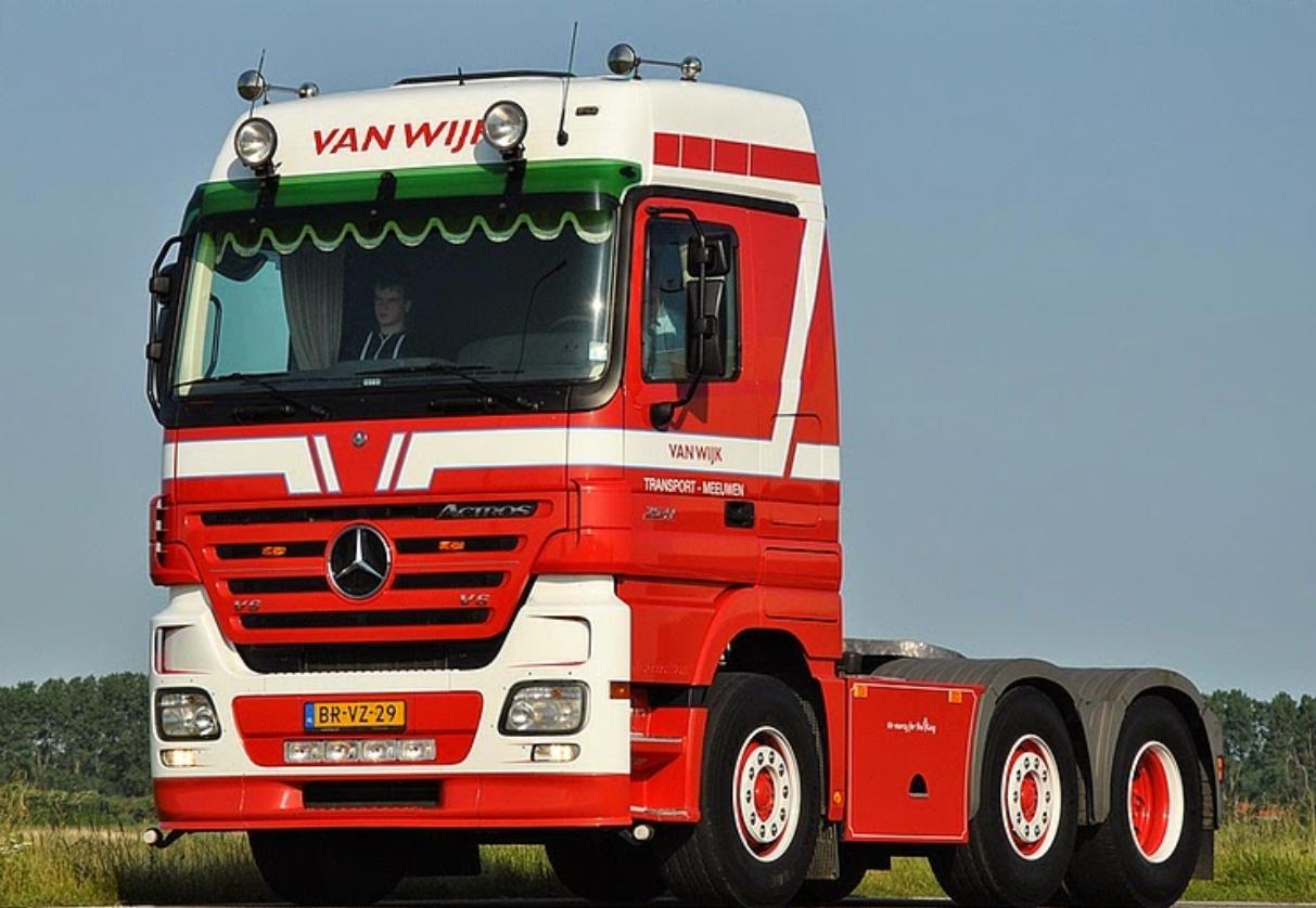 Mercedes-(1)
