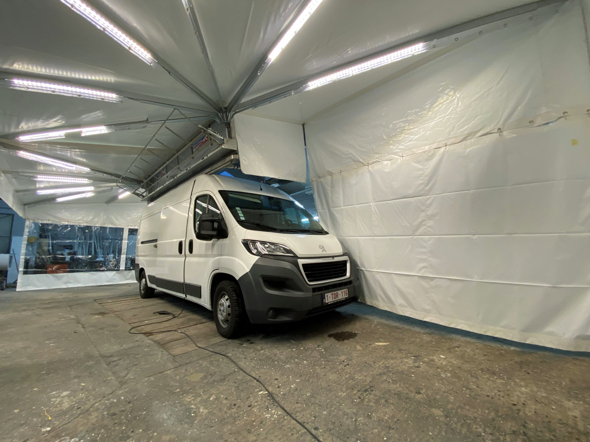 Peugeot-met-tentsysteem-lan-g-12-mtr-breed-4-30--(1)