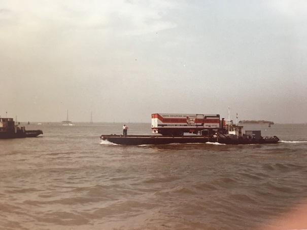 A-Lex-Groenwoud--elite-werk-schepen-die-niet-in-de-haven-konden-en-toch-werden-bevooraad--(1)