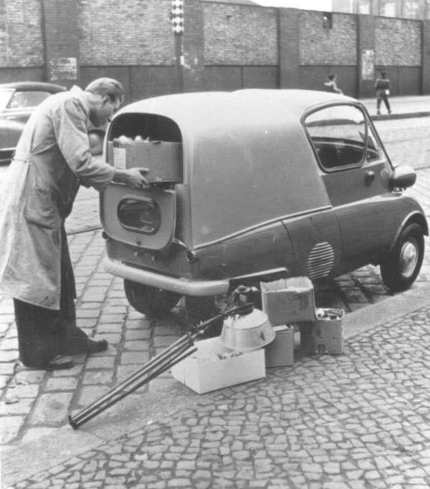 Isetta-Van-BMW-engine--(1)