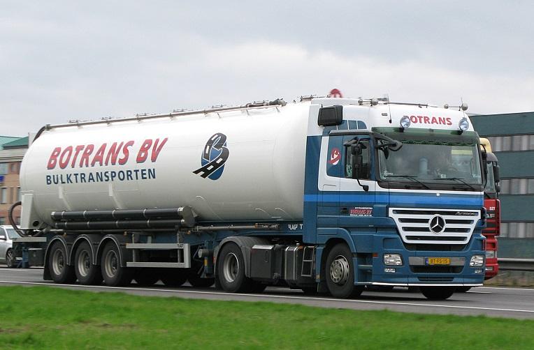 Mercedes-2010-Wim-van-Rijswijk