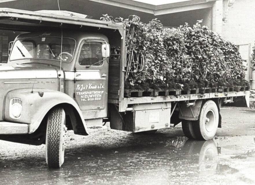 Scania-Vabis-nr-3-met-planten