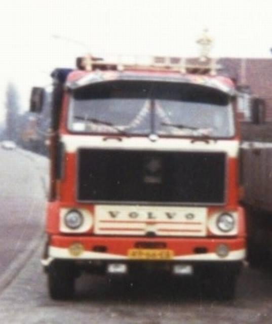 Volvo-F89-49-66-EB-(1)