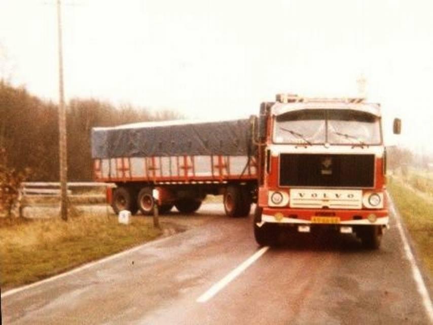 Volvo-F89-49-66-EB-(2)