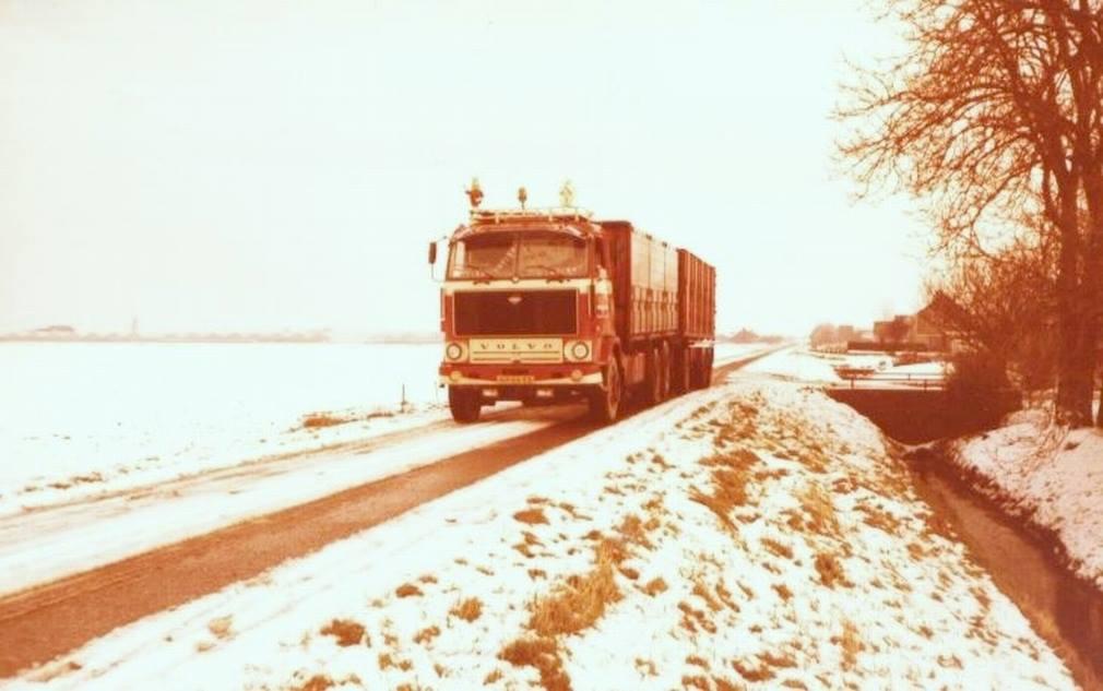 Volvo-F89-Bietentransport-(1)