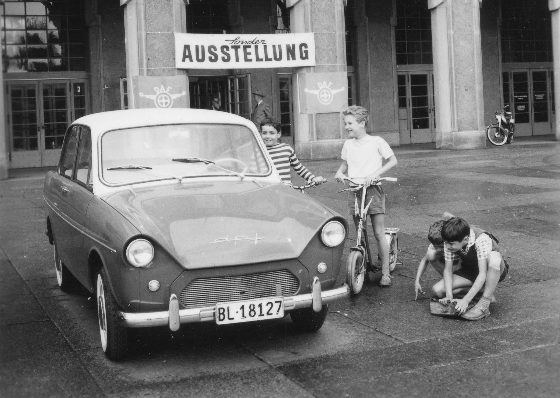 Basel-Sonderausstellung-DAF-600-Variomatic-Deluxe--1960-