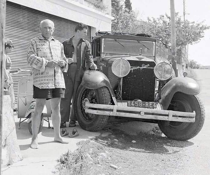 Hispano-Suiza-and-Vespa-Pablo-Picasso-and-his-1930---