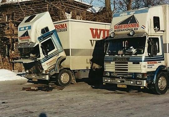 Winter-op-de-route-naar-RUSLAND--daar-werd-gestrooid-met-rood-zand--en-dat-kun-je-aan-de-vrachtwagens-zien---20-en-5-tot-10-prcent-benzine--(6)