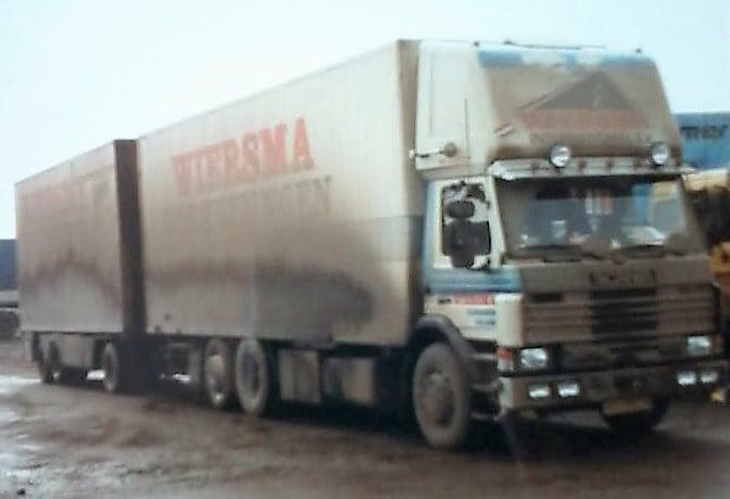 Winter-op-de-route-naar-RUSLAND--daar-werd-gestrooid-met-rood-zand--en-dat-kun-je-aan-de-vrachtwagens-zien---20-en-5-tot-10-prcent-benzine--(7)