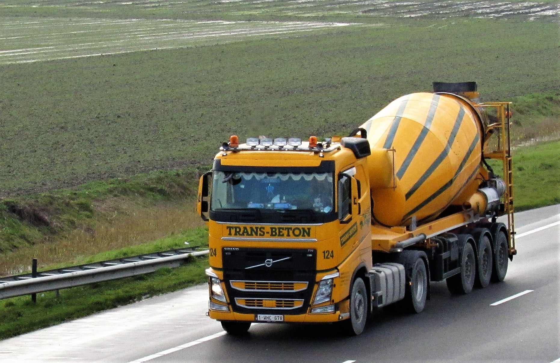 Volvo-Trans-Beton-N62-west-10-2-2021--Willems-foto