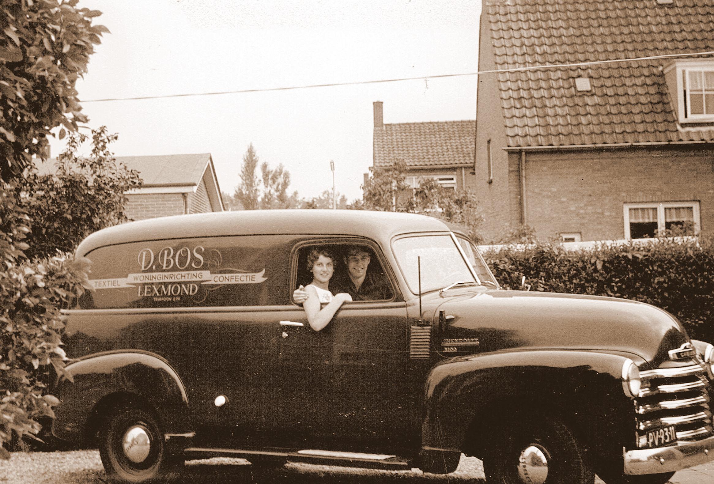 Chevrolet-Goof-en-Greet-Bos-voelen-zich-prins-en-prinses-in-deze-fraaie-auto-van-Dirk-Bos--