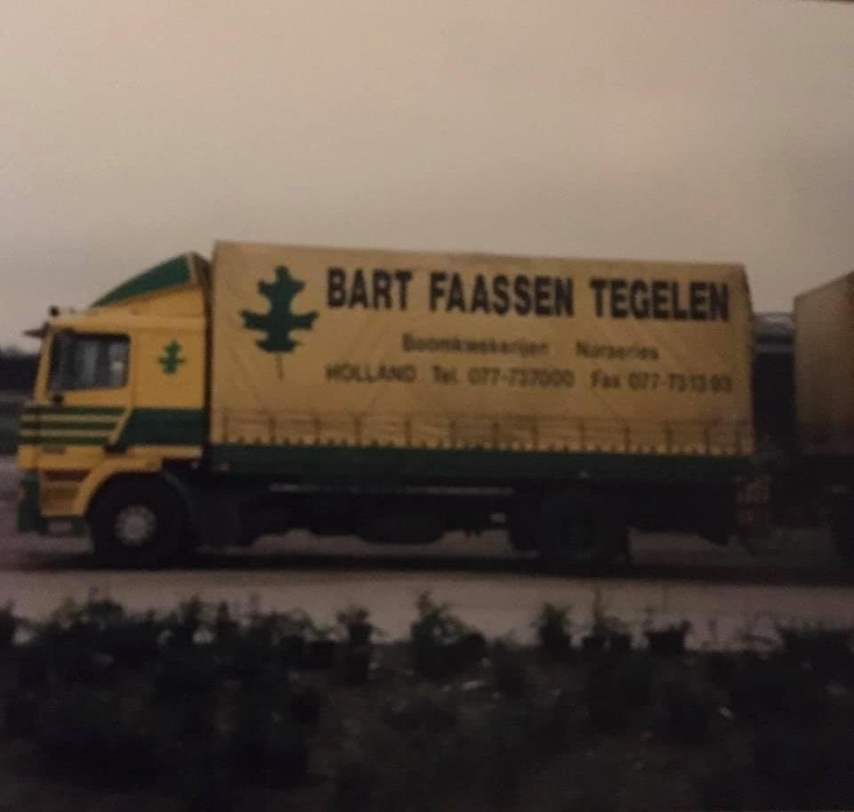 Roger-Linda-Flos--foto-Na-de-DAF-3300-kwam-de-opvolger-DAF-95-waarmee-ik-eveneens-vele-malen-in-o-a-Engeland-heb-mogen-vertoeven--(1)