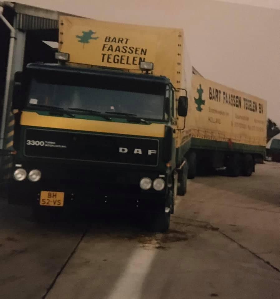 Roger-Linda-Flos--foto-Na-de-DAF-3300-kwam-de-opvolger-DAF-95-waarmee-ik-eveneens-vele-malen-in-o-a-Engeland-heb-mogen-vertoeven--(3)
