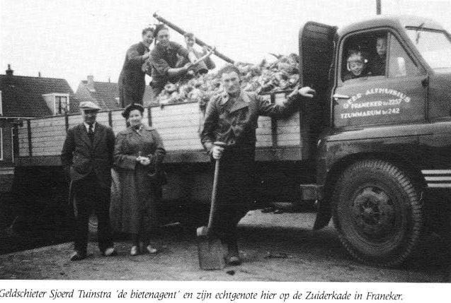 Bedford-1952-53-oudste-broer-Jan-en-ikzelf-mochten-mee-rijden-Jetze-Althuisius-archief
