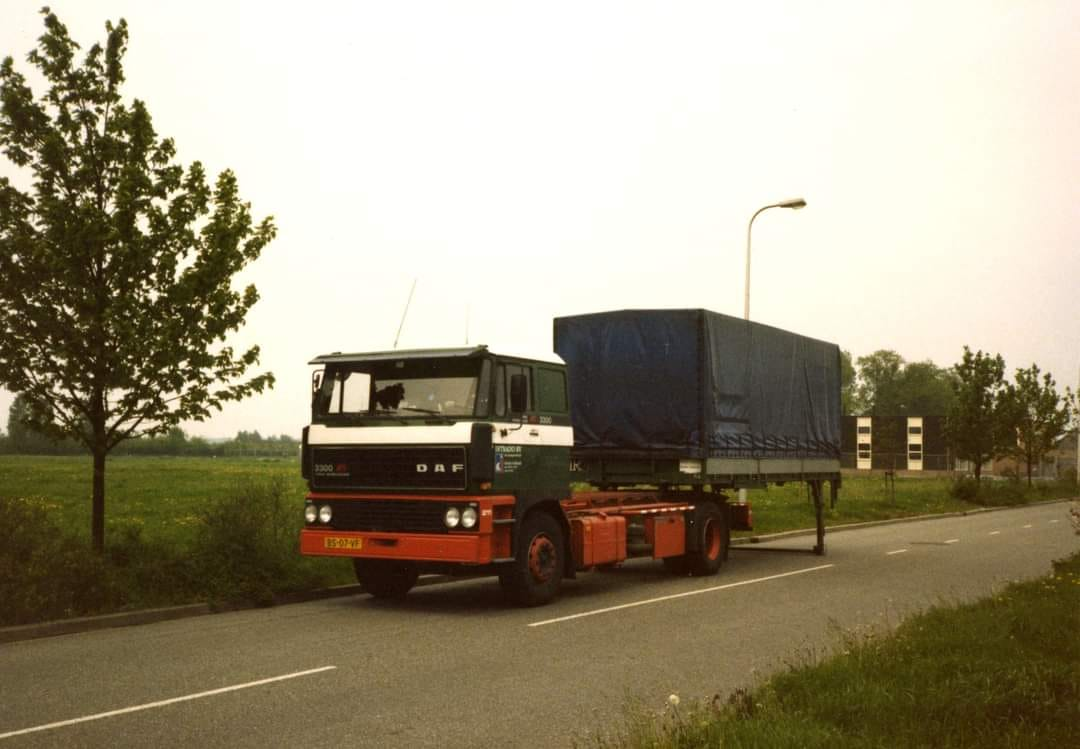 DAF-3300-container-chassis