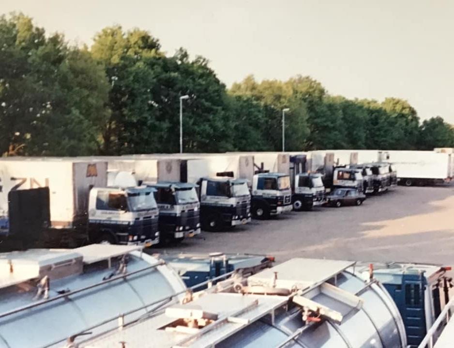 Johan-Derksen-vanaf-een-tankwagen-1988-(2)