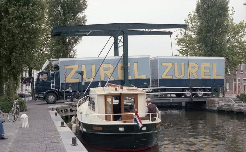 Scania-in-een-hollands-plaatje