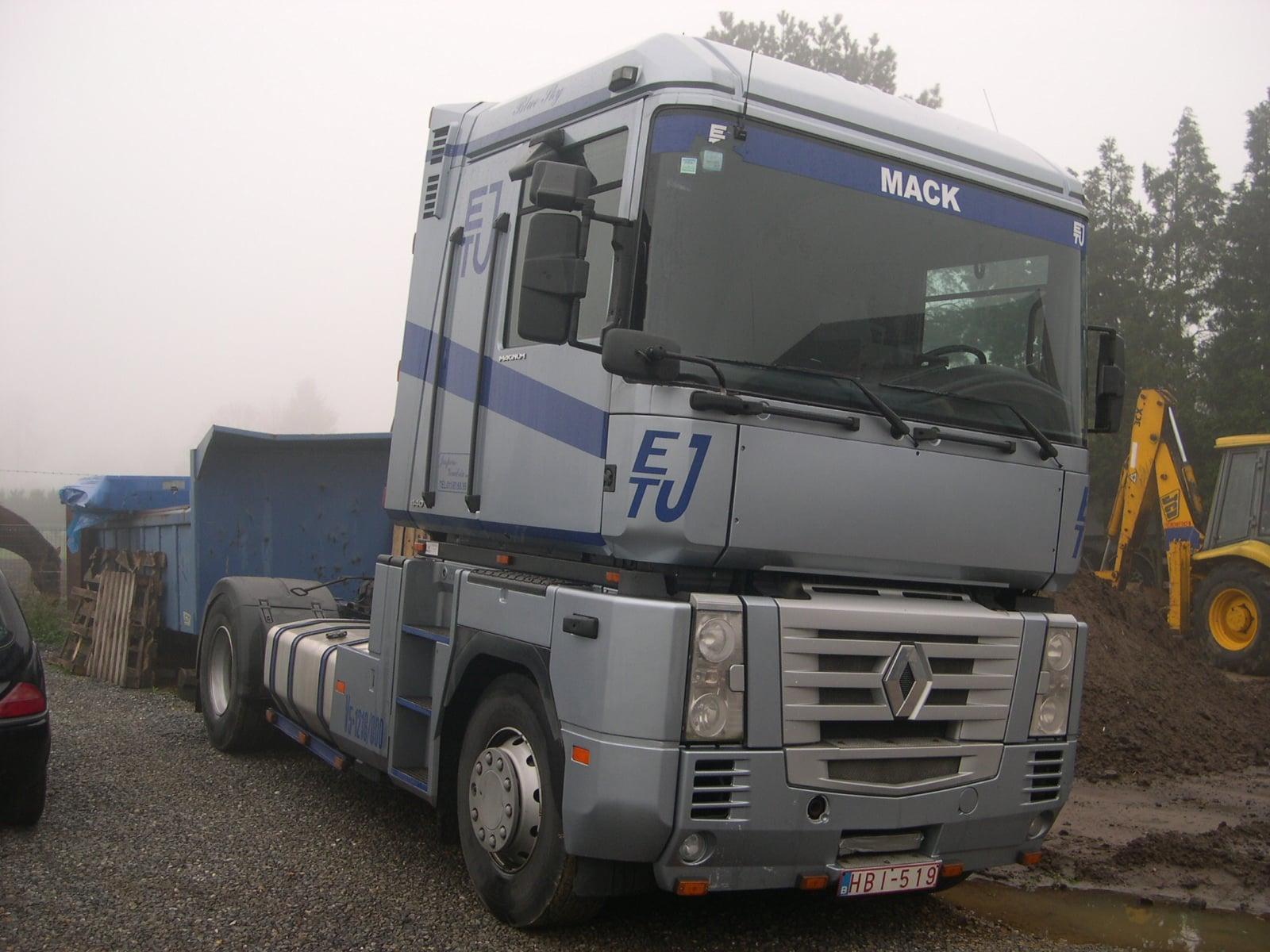 Jurgen-Jaspers-Renault-Magnum