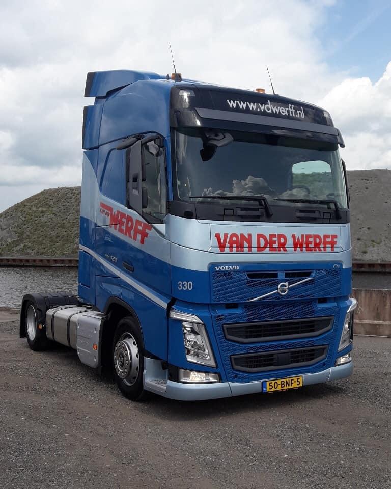 Volvo-330
