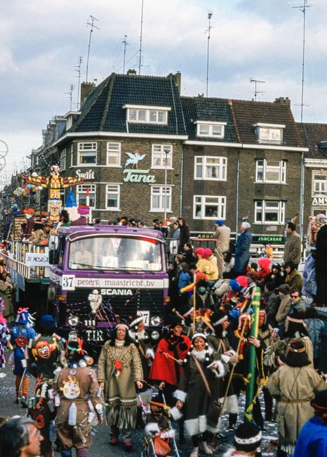 Scania-in-de-grote-optocht-jaren-70-