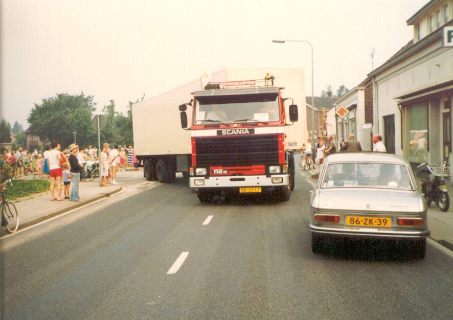 Scania-Transport-hulpgoederen-1983-naar-Polen--