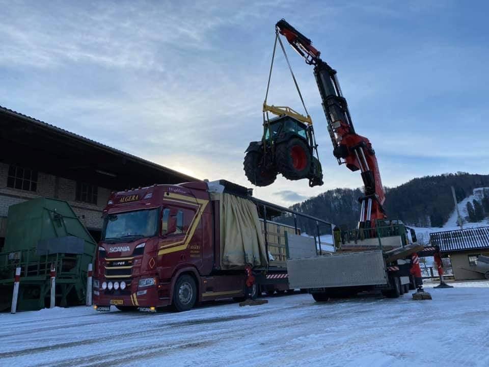 Scania-wordt-geladen-(1)