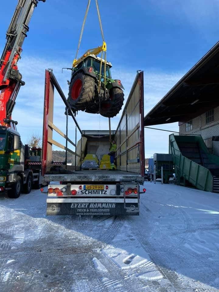 Scania-wordt-geladen-(3)