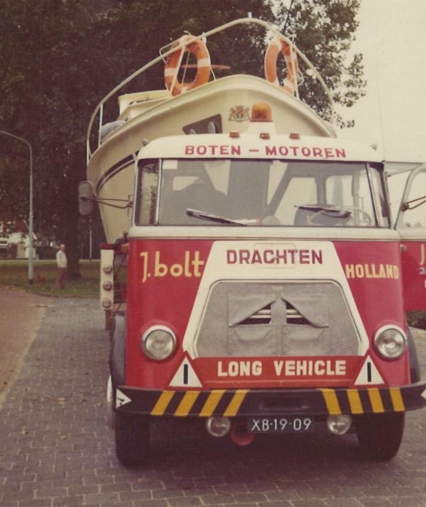 0-Transport-Westerdijk-zeilschouw-van-Anjum-naar-Jachtwerf-Bolt-op-het-Buitenstvallaat-Oude-vaste-kraan-(2)