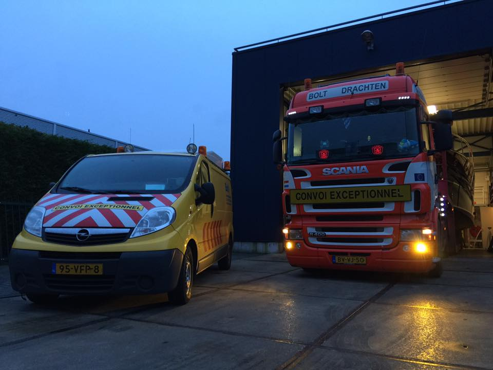 Scania-Aluminium-ruim-13-meter-lang--tijdloos-motorjacht-Breedendam-MTB-fourzero-Wheelhouse-op-Boot-Dusseldorf-2017--(1)