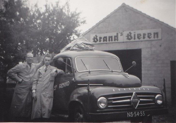 Borgward-B1500-1954-Mijn-Vader-Sjef-Rekko-en-chauffeur-Piet-Hensels-